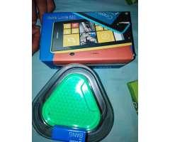 Combo de Celular Nokia 520 con Bocina