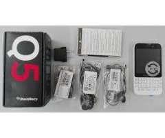 Blackberry Q5 con WtasApp a 65$ Nuevo de paquete