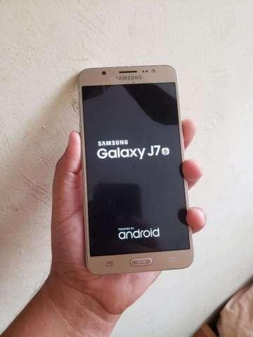 Samsung J7 2016 Dorado 16gb