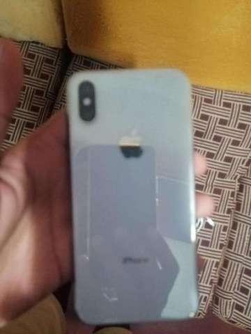 iPhone Xs 650.00 vendo o cambio