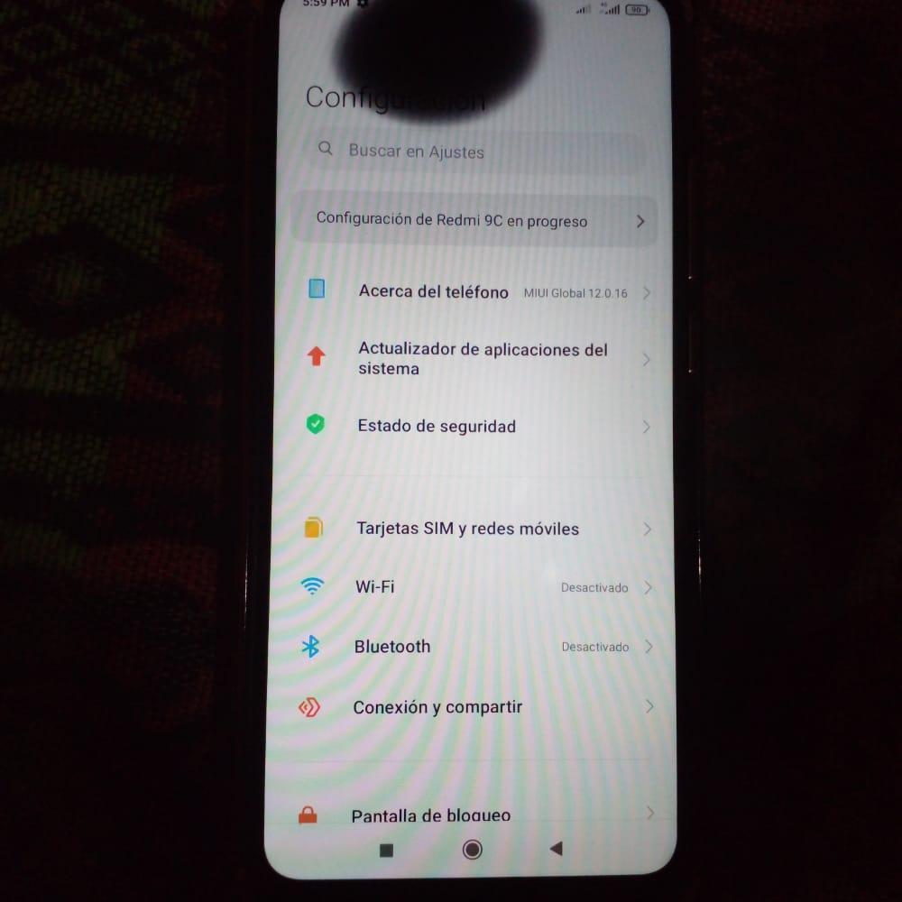 Vendo Xiaomi 9c con detalle en la pantalla
